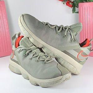 Nike LeBron XIV Low Women's Basketball Shoe Size 8
